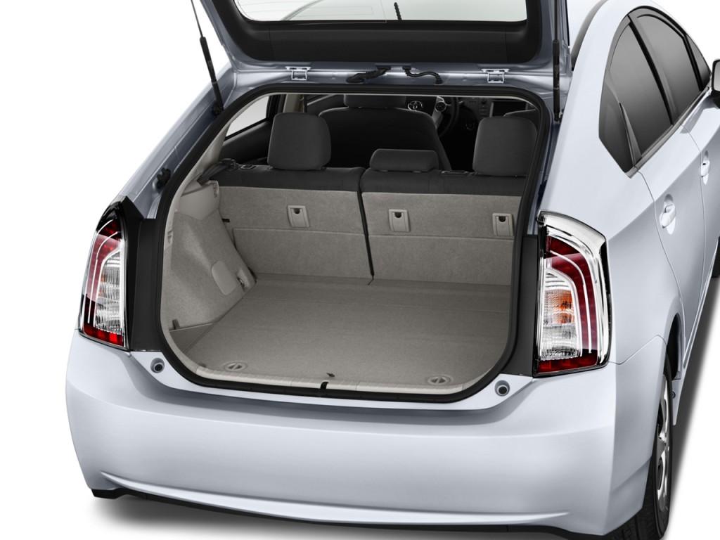 Image: 2012 Toyota Prius 5dr HB Three (Natl) Trunk, size ...