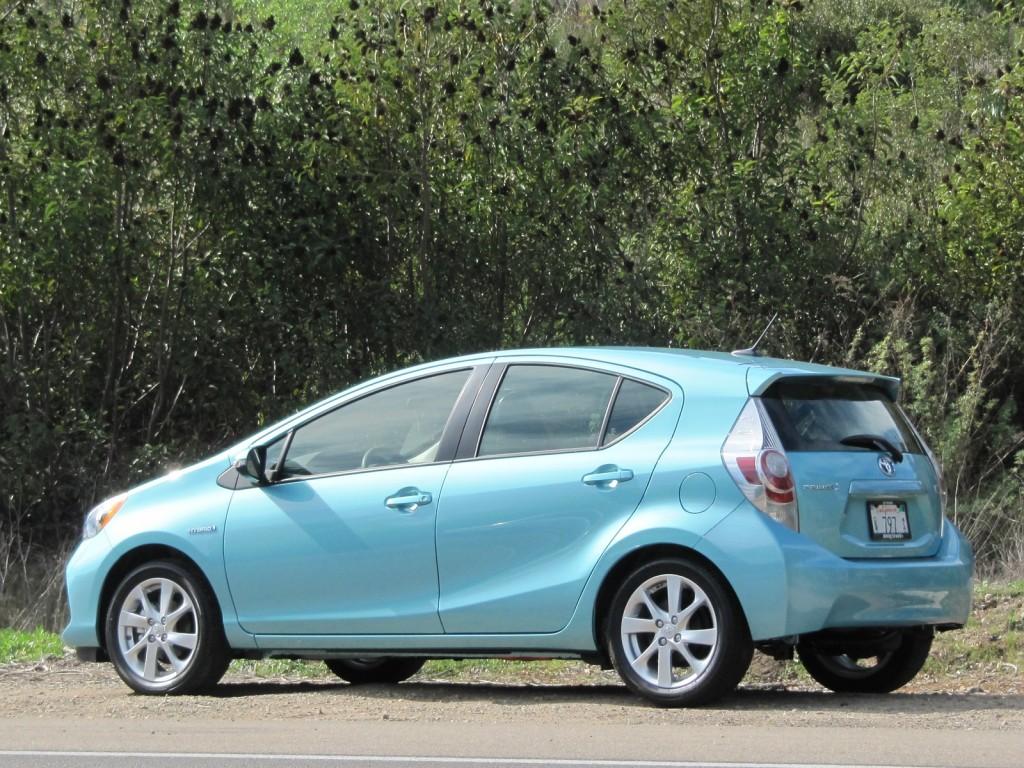 2012 Toyota Prius C Driven, 2013 GMC Acadia Revealed: Today's Car News