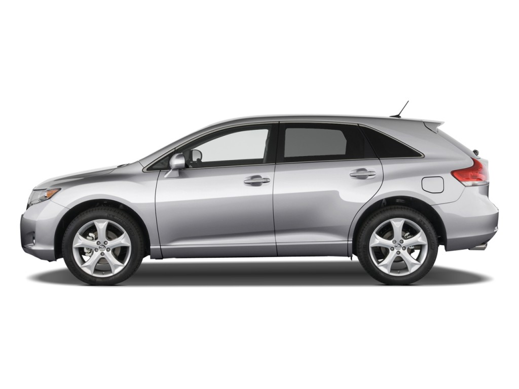 2012 Toyota Venza 4-door Wagon I4 FWD XLE (Natl) Side Exterior View