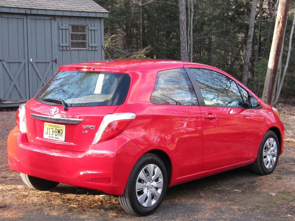 2012 Toyota Yaris LE three-door hatchback, road test, Hudson Valley, NY, Feb 2012