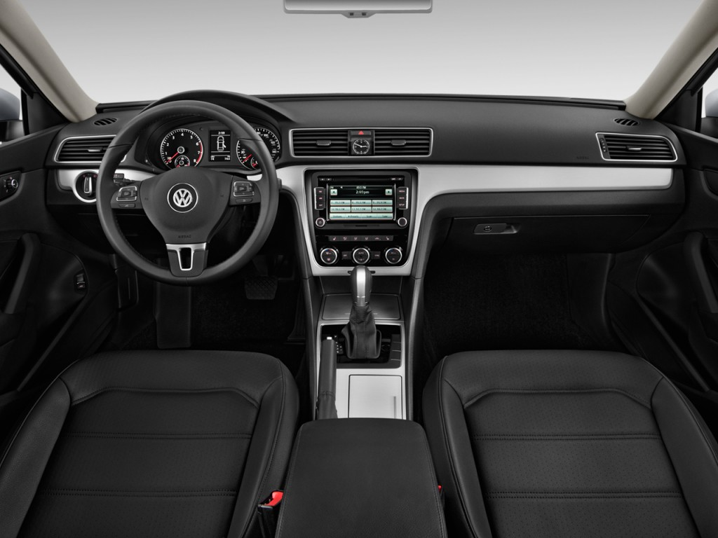 image 2012 volkswagen passat 4 door sedan 2 5l auto se. Black Bedroom Furniture Sets. Home Design Ideas