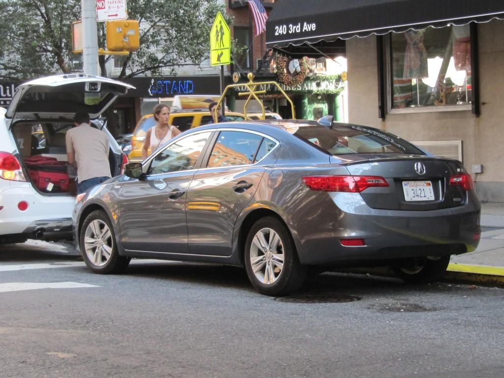 2013 Acura ILX Hybrid, New York City, July 2012