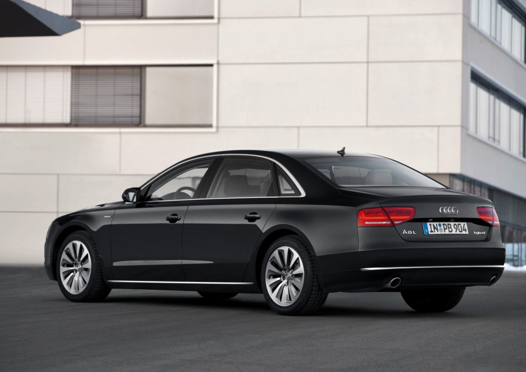 Audi A8 To Adopt Autonomous Traffic Jam Assistant In 2016 Video