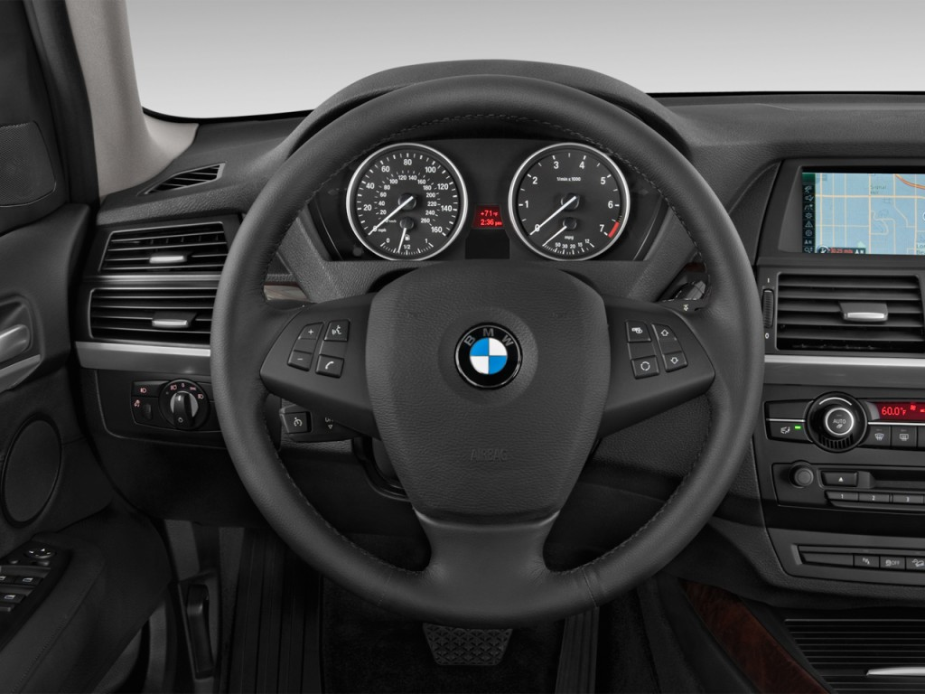 image 2013 bmw x5 awd 4 door 50i steering wheel size 1024 x 768 type gif posted on may 18. Black Bedroom Furniture Sets. Home Design Ideas