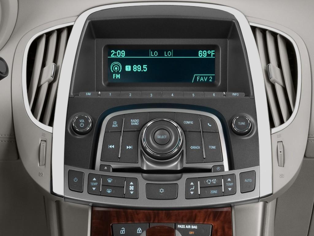 Image: 2013 Buick Lacrosse 4-door Sedan Base FWD ...