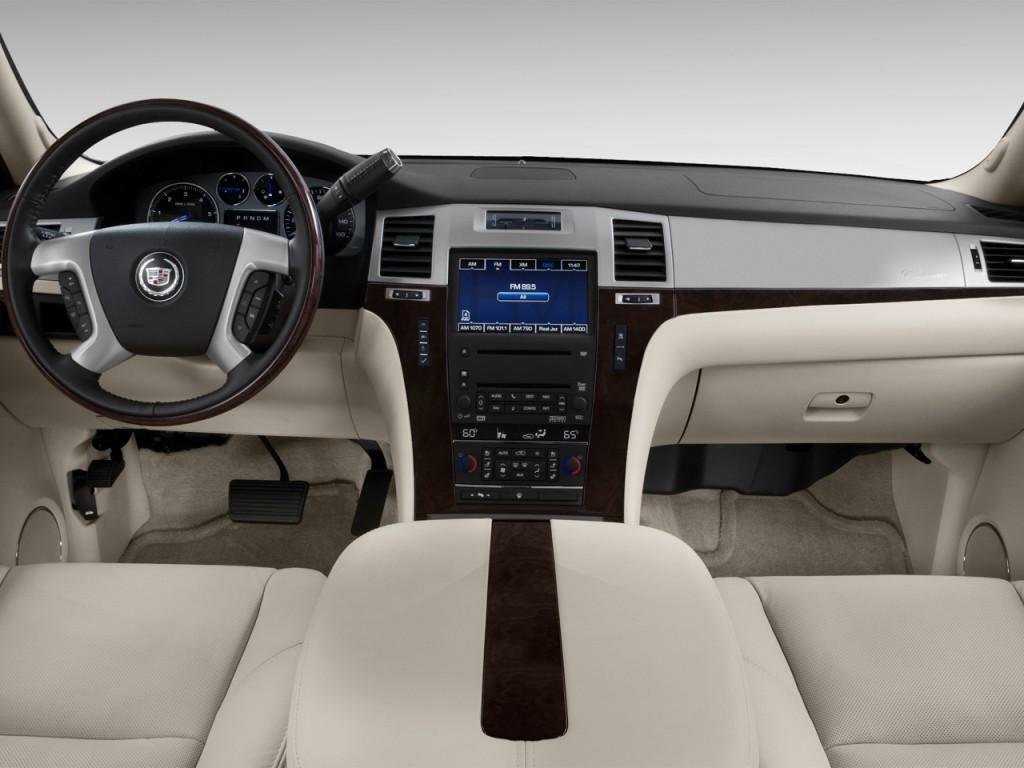 Image: 2013 Cadillac Escalade AWD 4-door Base Dashboard ...