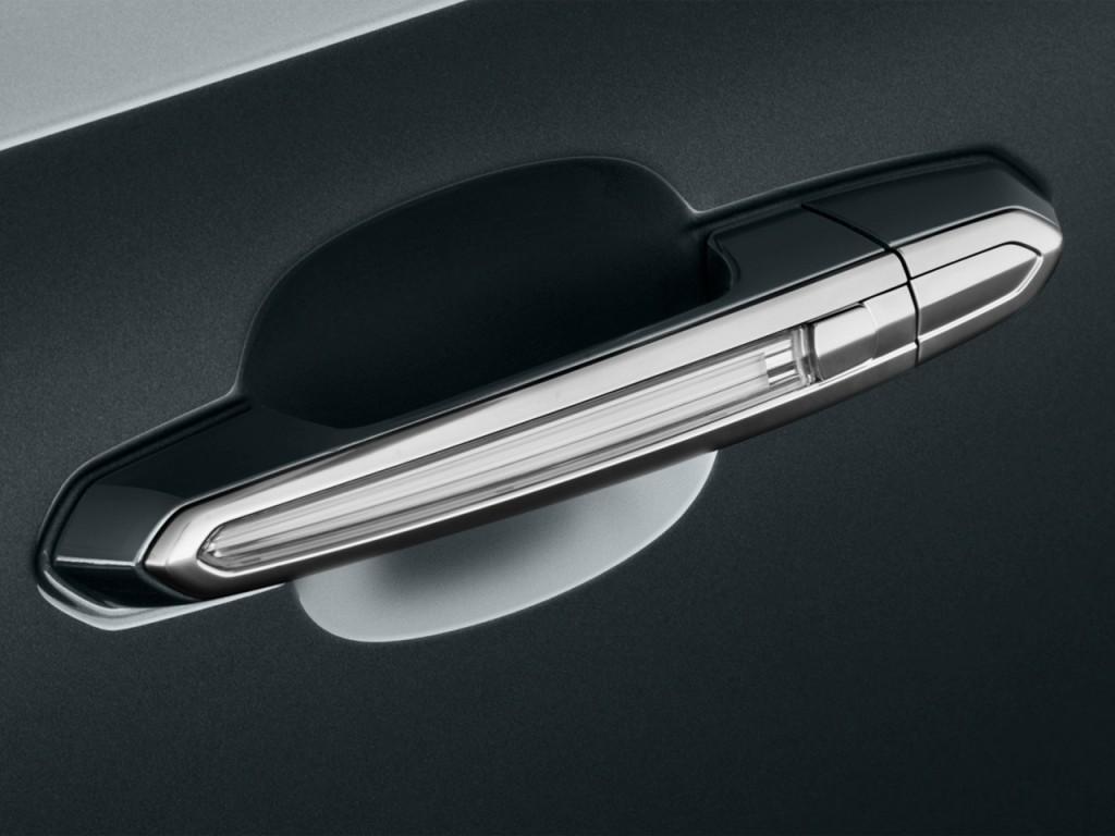 Image: 2013 Cadillac XTS 4-door Sedan Platinum FWD Door ...
