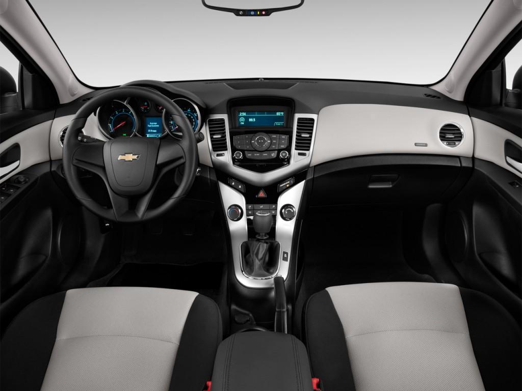 Image: 2013 Chevrolet Cruze 4-door Sedan Auto LS Dashboard, size ...