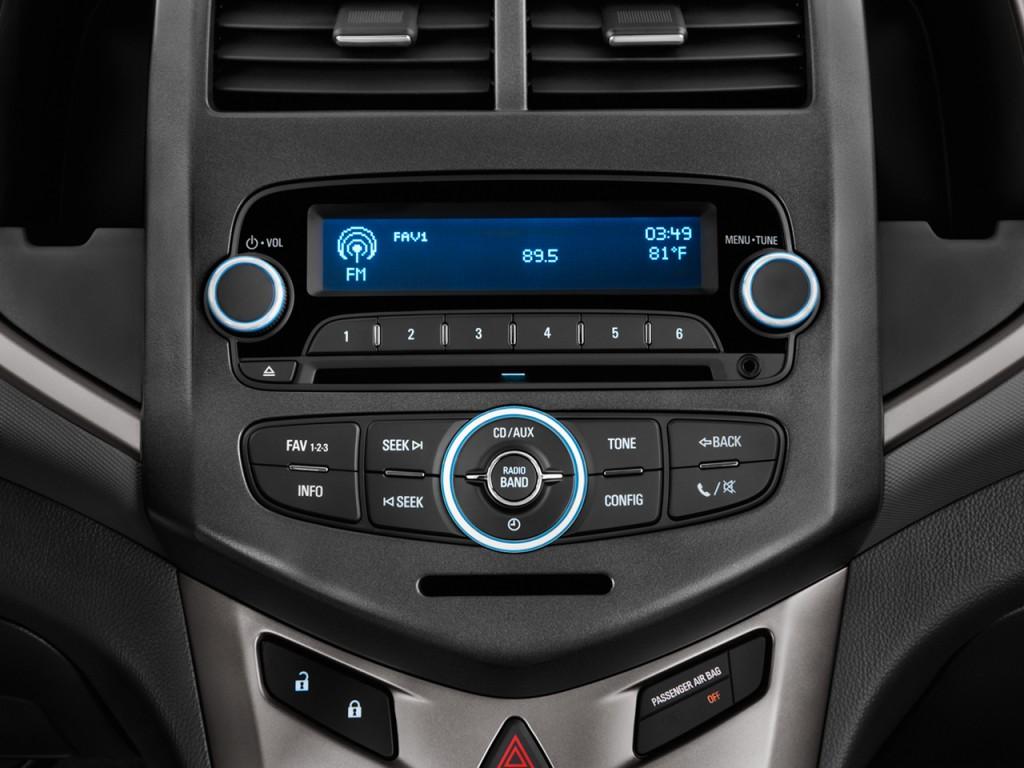 Image: 2013 Chevrolet Sonic 4-door Sedan Auto LT Audio ...
