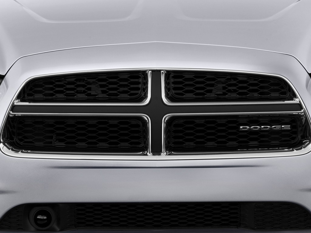 image 2013 dodge charger 4 door sedan rt max rwd grille. Black Bedroom Furniture Sets. Home Design Ideas