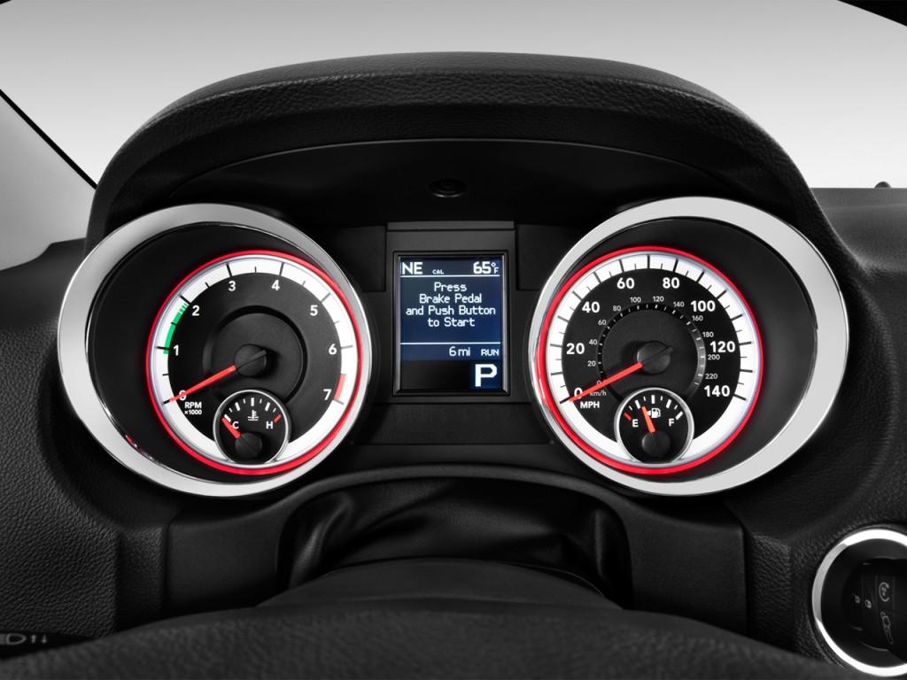 Image: 2013 Dodge Durango AWD 4-door Crew Instrument ...