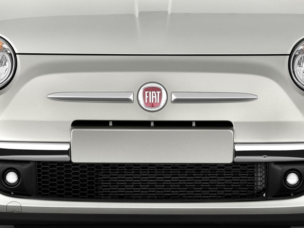 2013 FIAT 500 2-door HB Lounge Grille