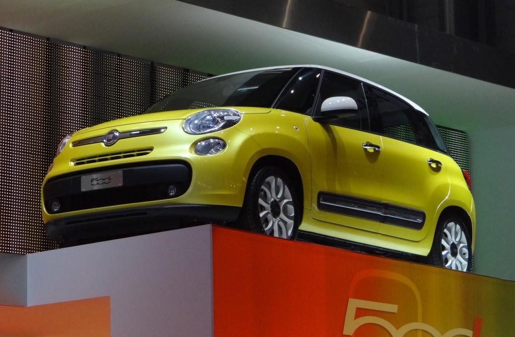 2013 Fiat 500L live photos