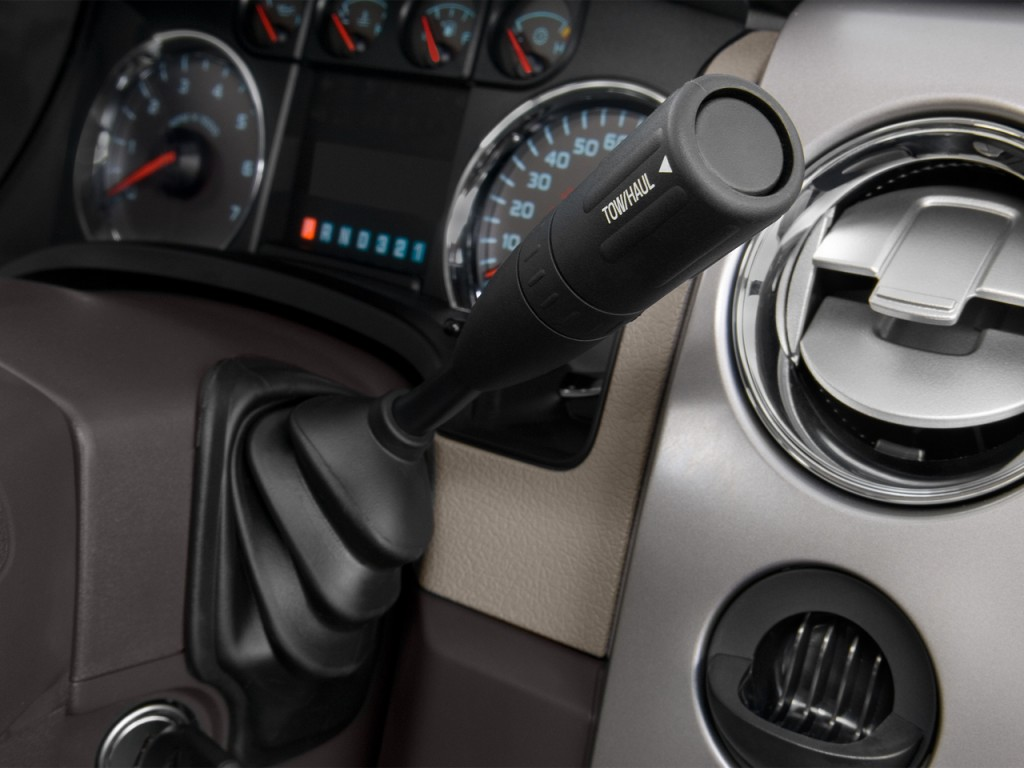 "Image: 2013 Ford F-150 2WD SuperCrew 145"" XLT Gear Shift ..."