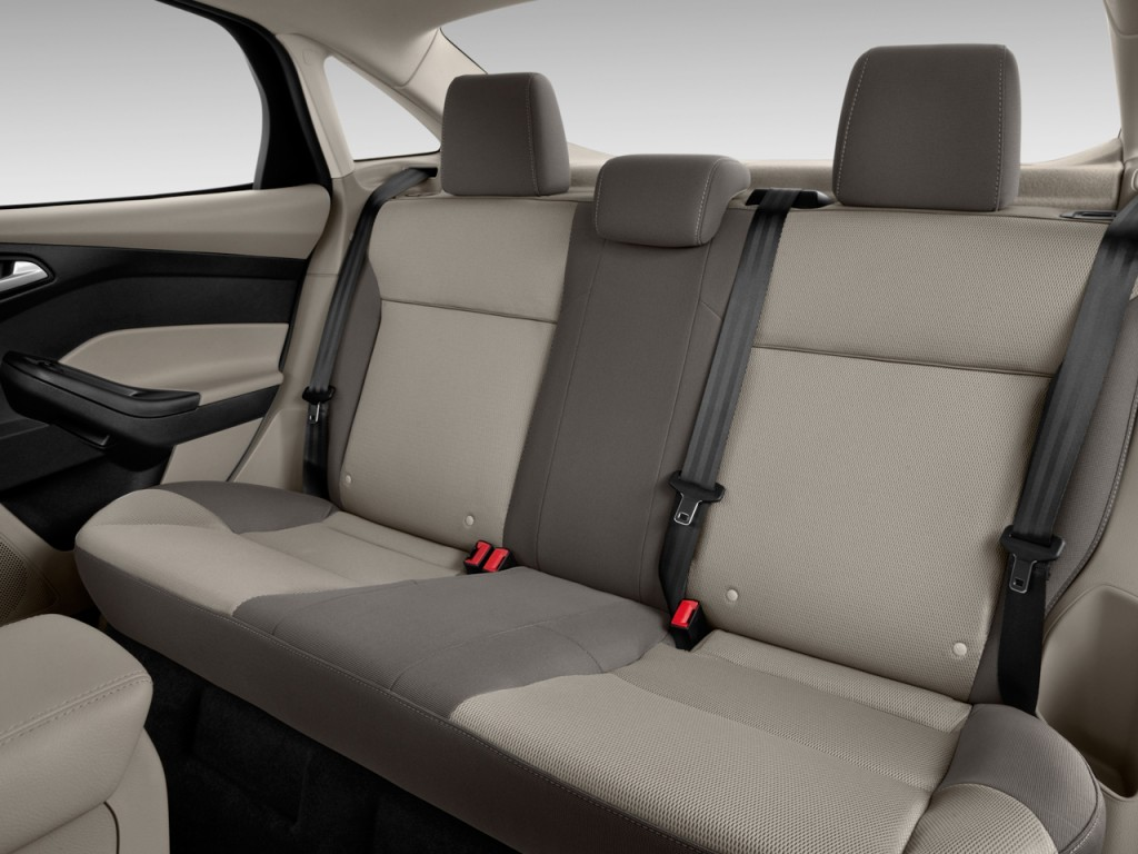 Image: 2013 Ford Focus 4-door Sedan SE Rear Seats, size ...