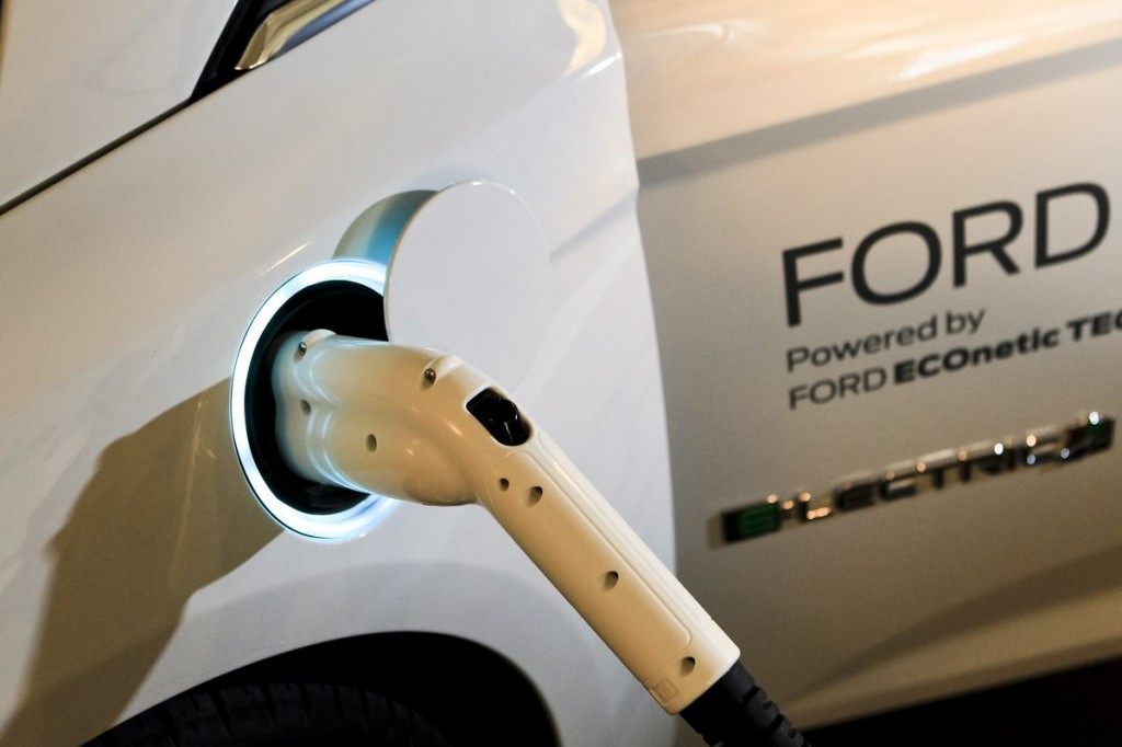 Like Tesla & BMW, Ford Is Sharing Electric Car Technology With Rivals