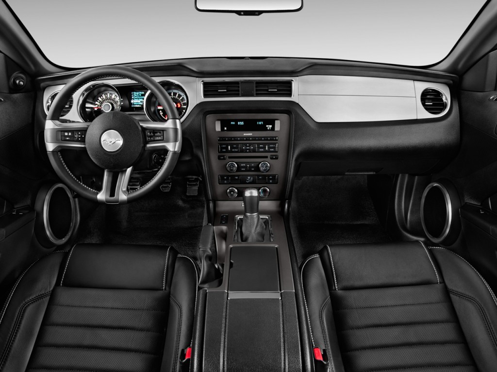 image  ford mustang  door coupe gt premium dashboard size    type gif posted
