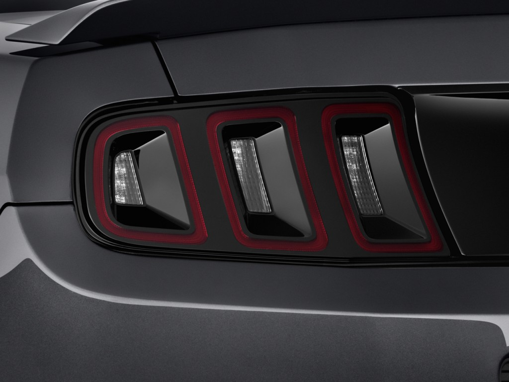image 2013 ford mustang 2 door coupe gt premium tail. Black Bedroom Furniture Sets. Home Design Ideas