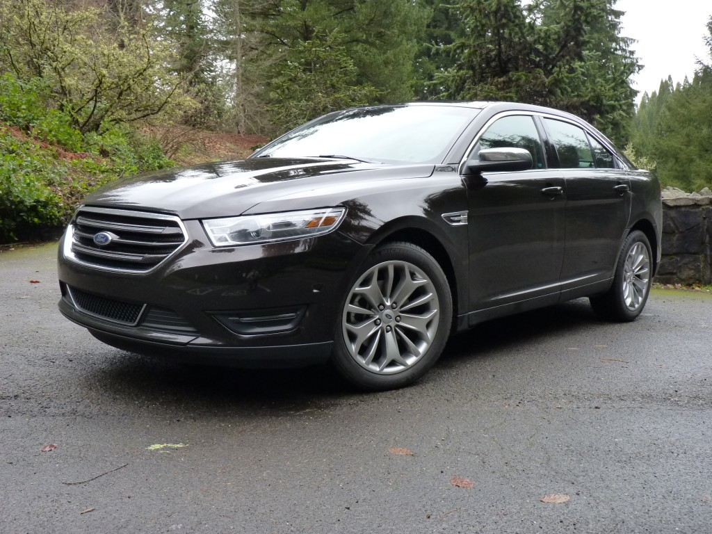 2013 ford taurus ecoboost full size goes four cylinder. Black Bedroom Furniture Sets. Home Design Ideas