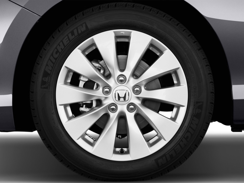 Image: 2013 Honda Accord Sedan 4-door V6 Auto EX-L Wheel ...