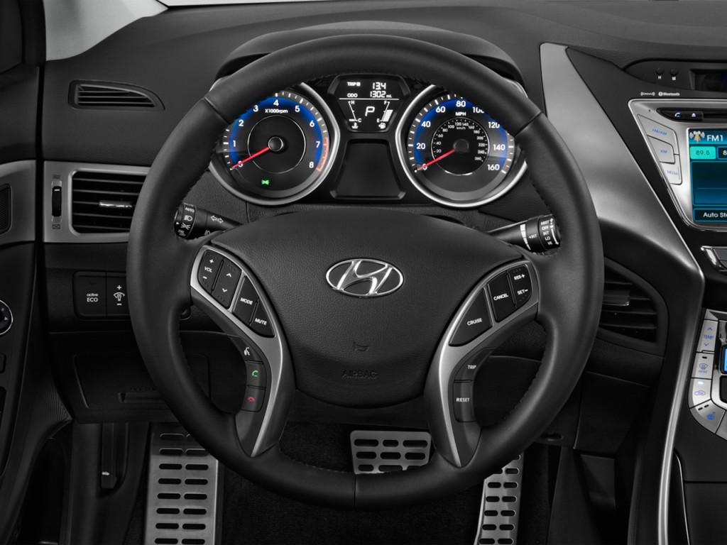 Hyundai Elantra Touring Steering Wheel Size