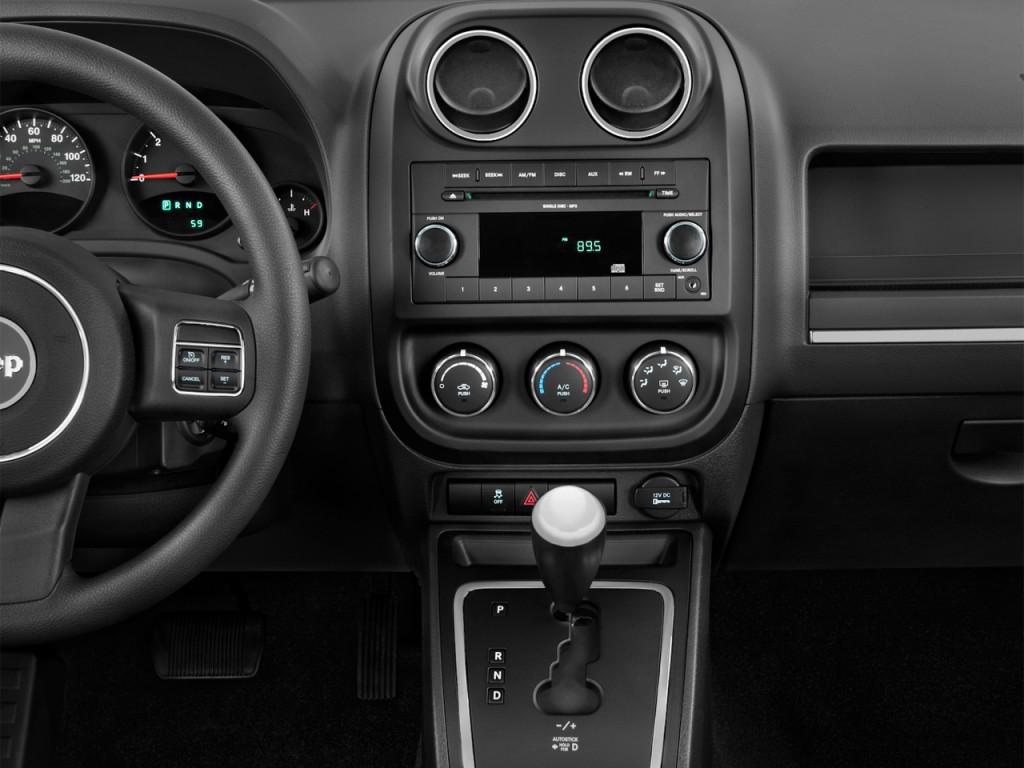 image 2013 jeep compass fwd 4 door sport instrument panel. Black Bedroom Furniture Sets. Home Design Ideas