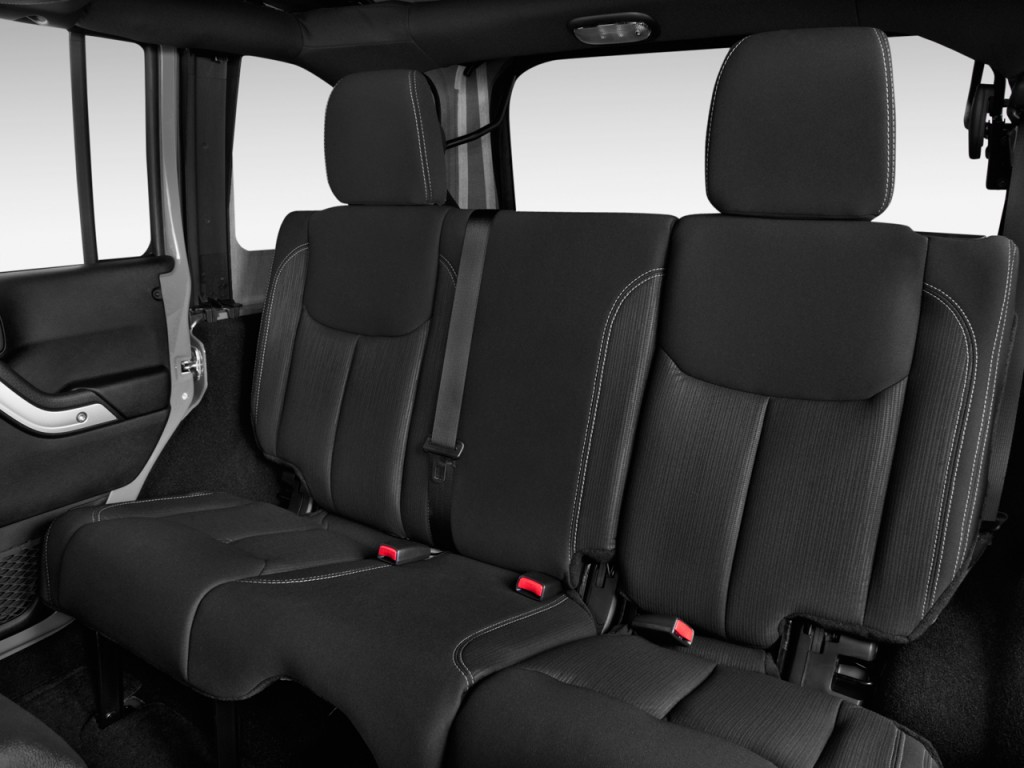 image 2013 jeep wrangler unlimited 4wd 4 door rubicon rear seats size 1024 x 768 type gif. Black Bedroom Furniture Sets. Home Design Ideas