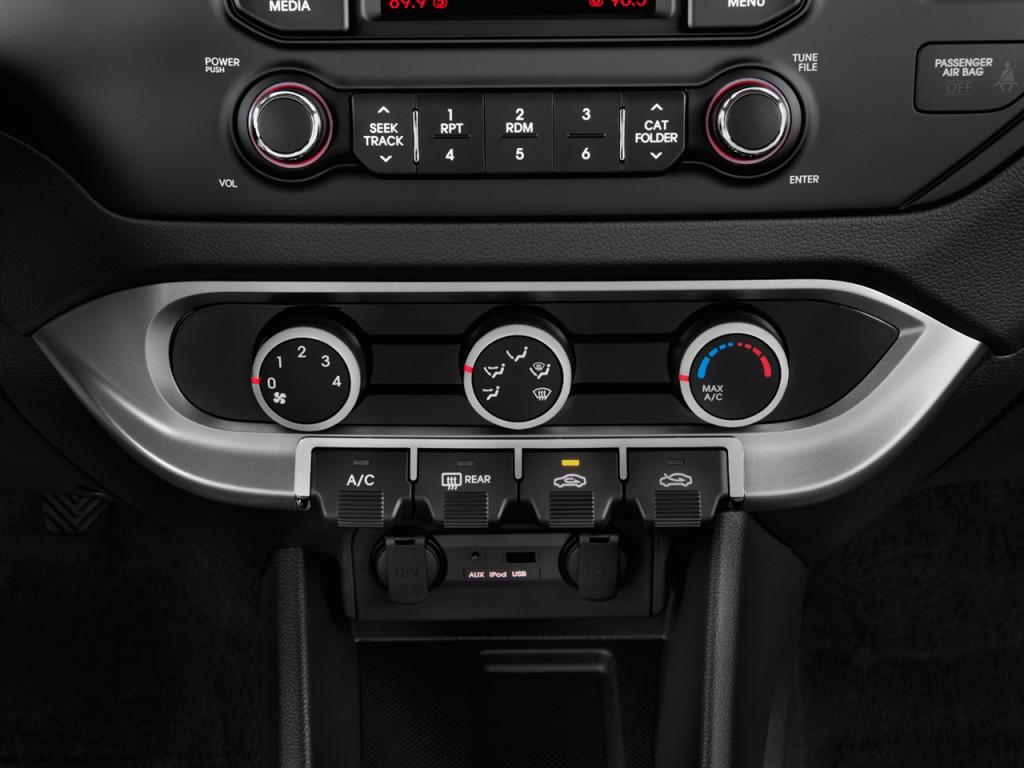image 2013 kia rio 4 door sedan auto lx temperature controls size 1024 x 768 type gif. Black Bedroom Furniture Sets. Home Design Ideas