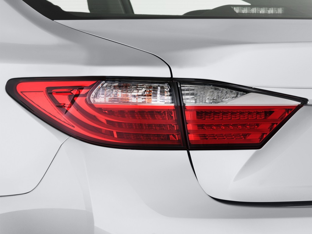 Lexus Es Door Sedan Tail Light L