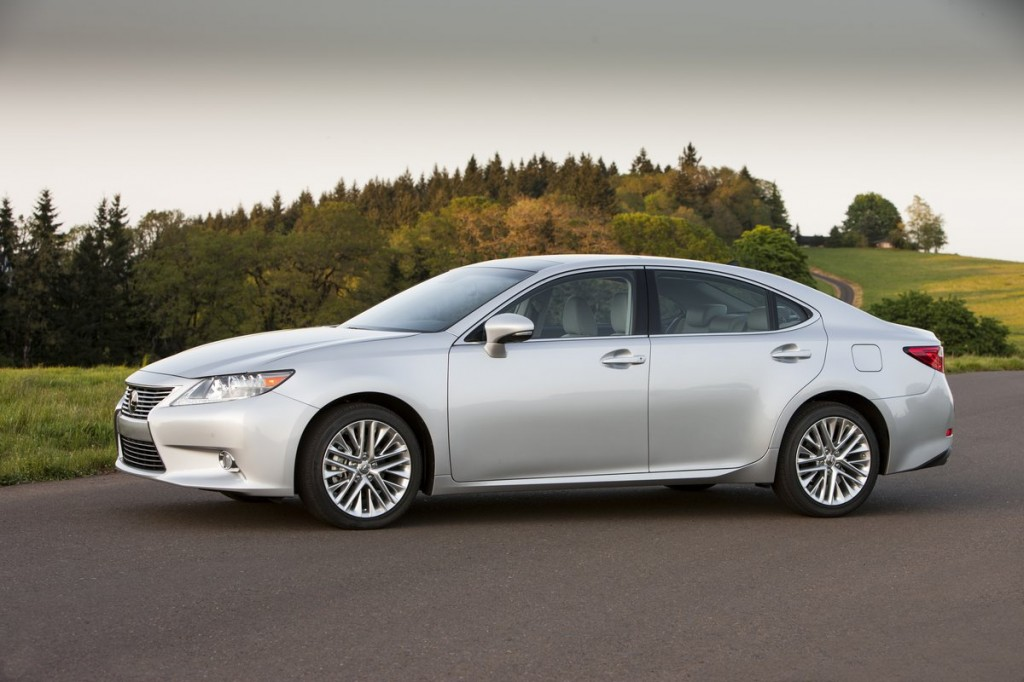 Lexus To Replace Emergency Trunk Release On ES, GS, IS Models