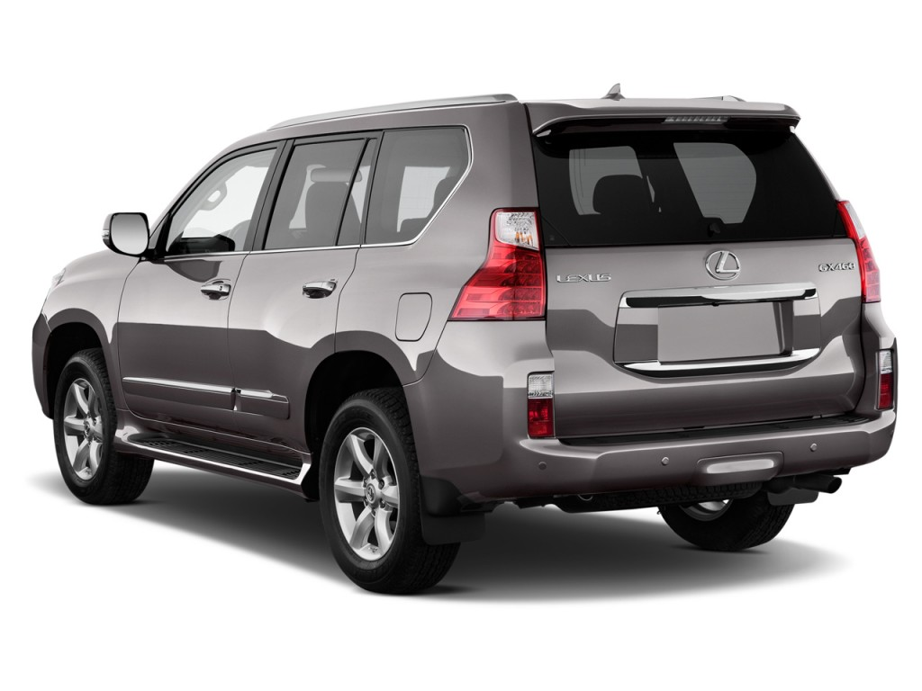 2013 Lexus GX 460 4WD 4-door Angular Rear Exterior View