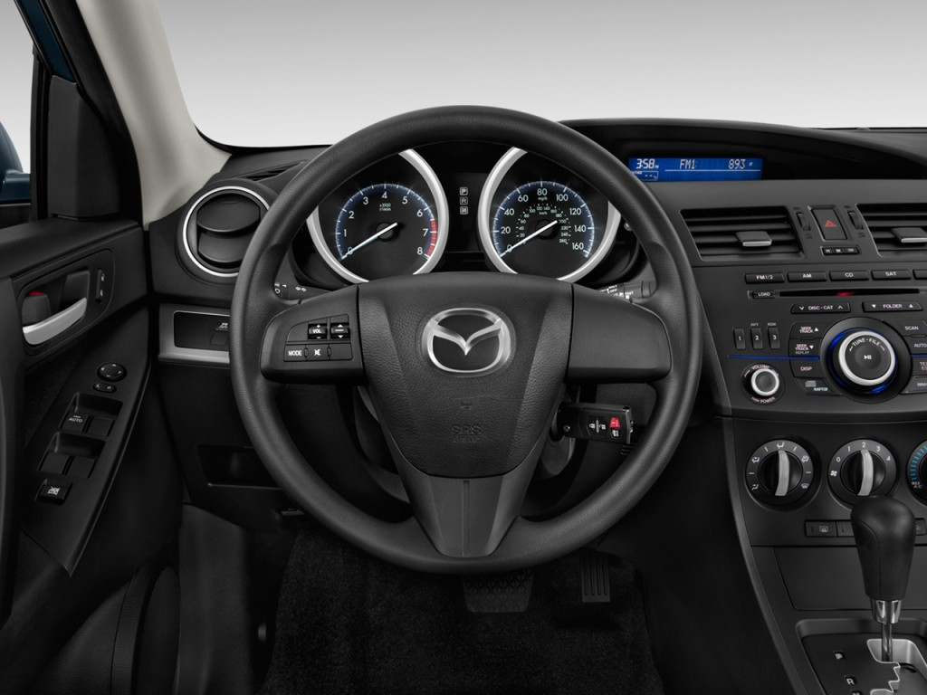 image 2013 mazda mazda3 4 door sedan auto i sv steering wheel size 1024 x 768 type gif. Black Bedroom Furniture Sets. Home Design Ideas