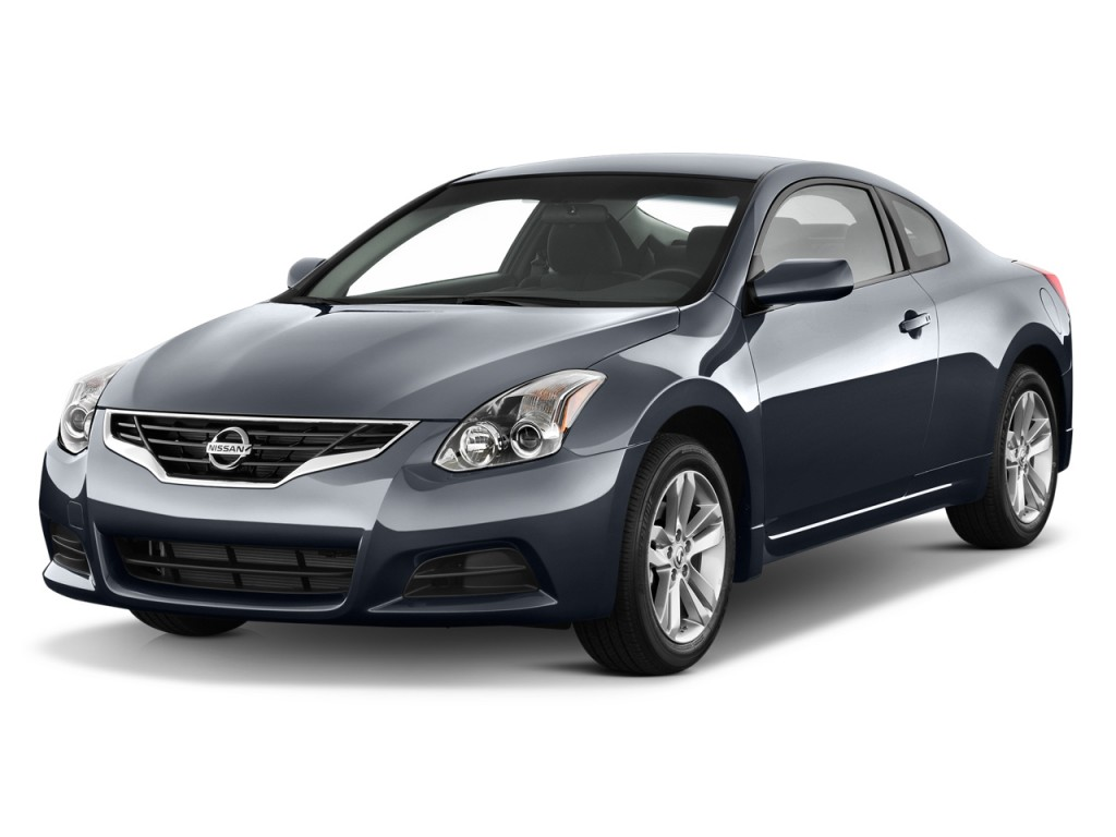 Image: 2013 Nissan Altima 2-door Coupe I4 2.5 S Angular Front ...