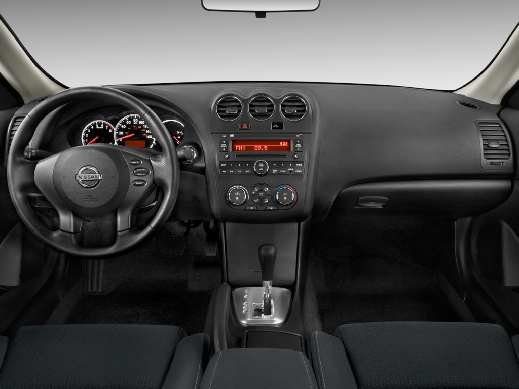 image 2013 nissan altima 2 door coupe i4 2 5 s dashboard size 1024 x 768 type gif posted. Black Bedroom Furniture Sets. Home Design Ideas