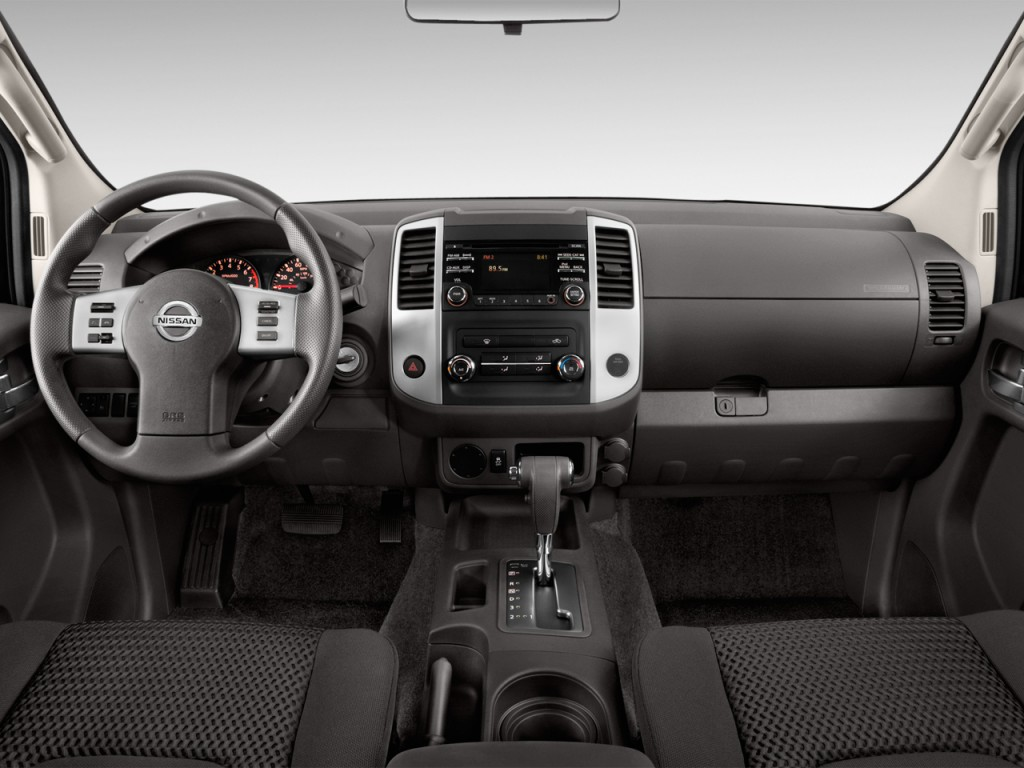 image 2013 nissan frontier 2wd king cab i4 auto sv dashboard size 1024 x 768 type gif. Black Bedroom Furniture Sets. Home Design Ideas