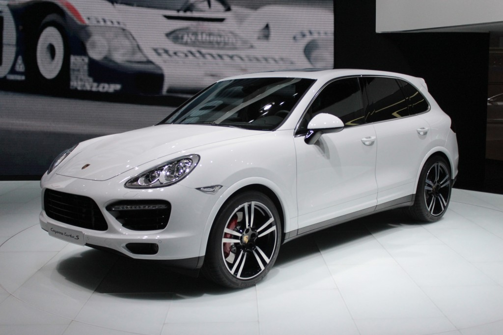 2017 Porsche Cayenne Turbo S Live Photos Detroit Auto Show