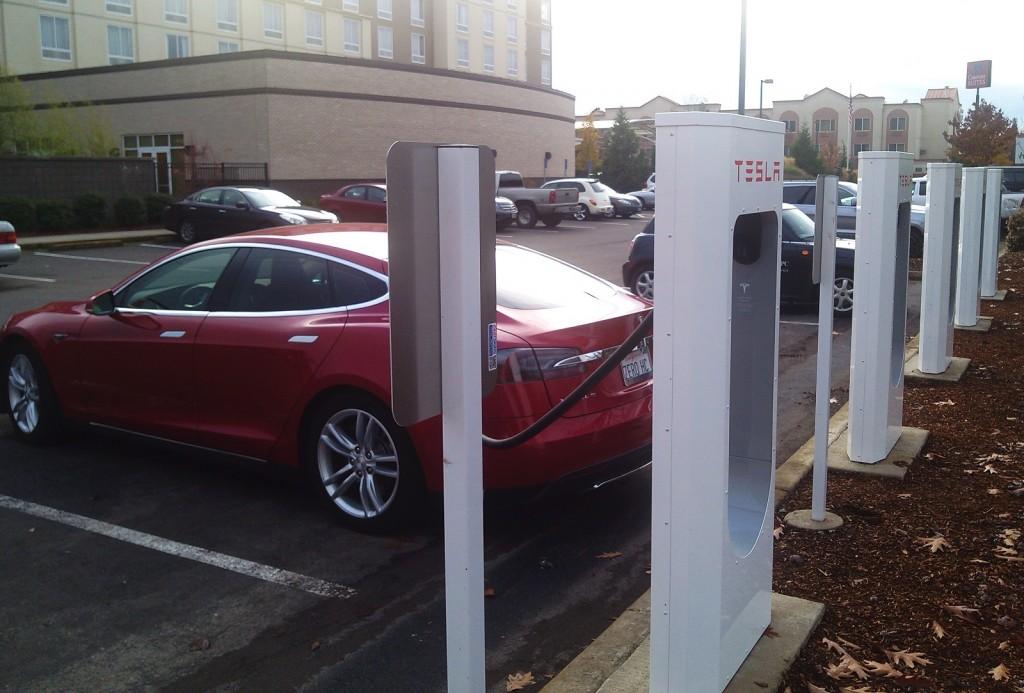 2013 Tesla Model S at Supercharger station in Springfield, Oregon, Nov 2013 [photo: George Parrott]
