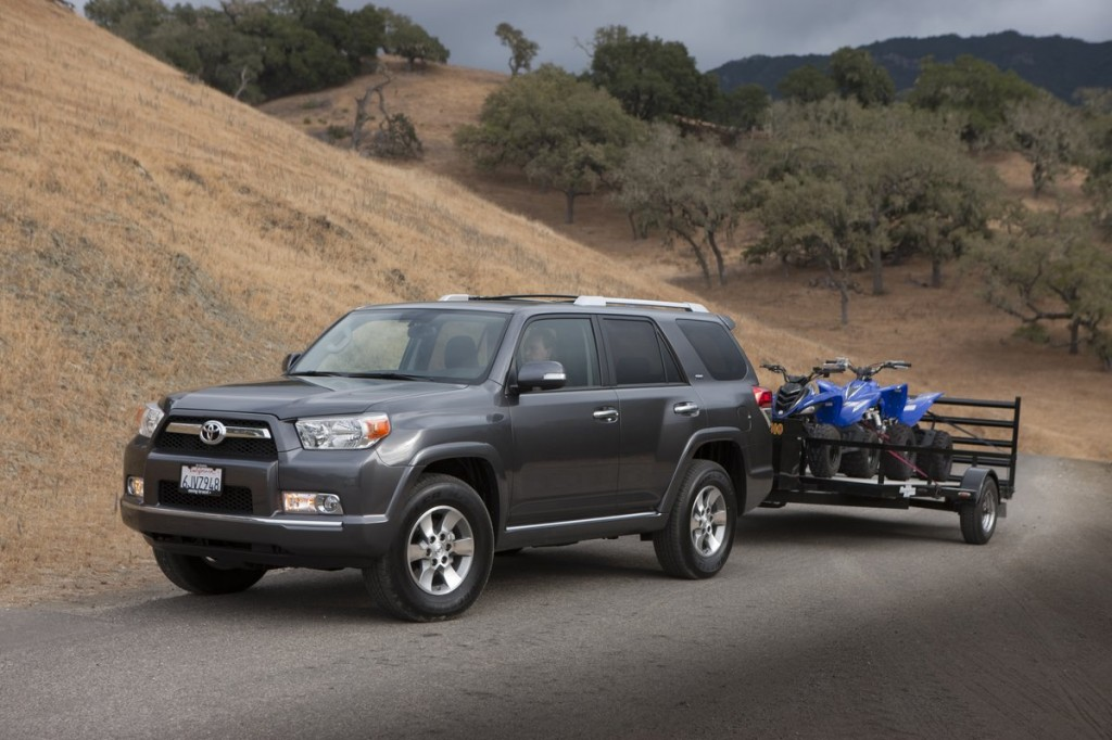 2013 Toyota 4Runner towing