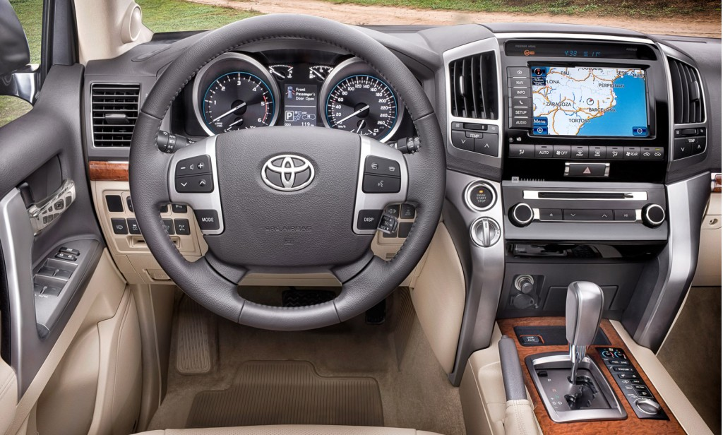 2013 Toyota Land Cruiser (European model pictured)