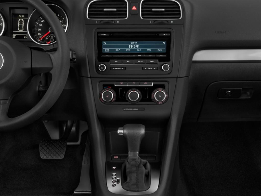 Image: 2013 Volkswagen Golf 4-door HB Auto PZEV Instrument ...