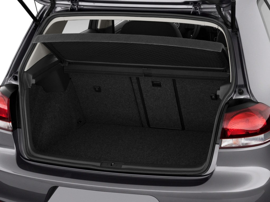 Image: 2013 Volkswagen Golf 4-door HB Auto PZEV Trunk ...