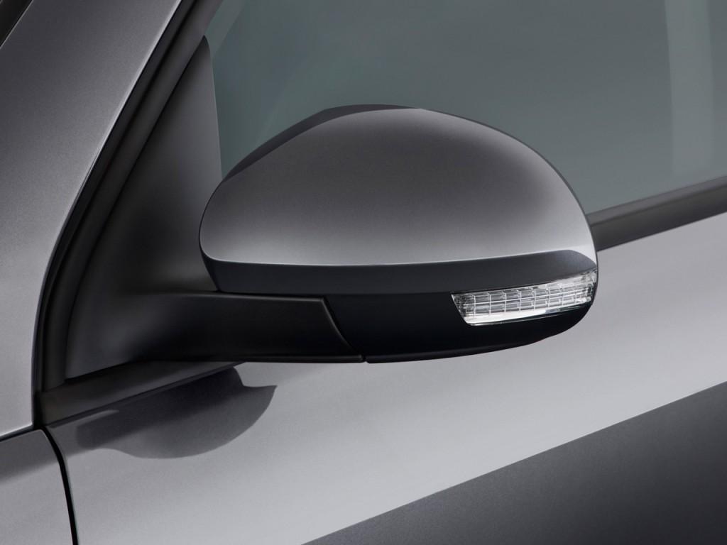 Image: 2013 Volkswagen Tiguan 2WD 4-door Auto S Mirror