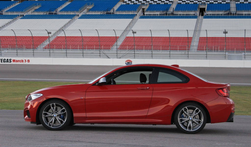 image 2014 bmw m235i first drive las vegas motor speedway size 1024 x 601 type gif posted. Black Bedroom Furniture Sets. Home Design Ideas