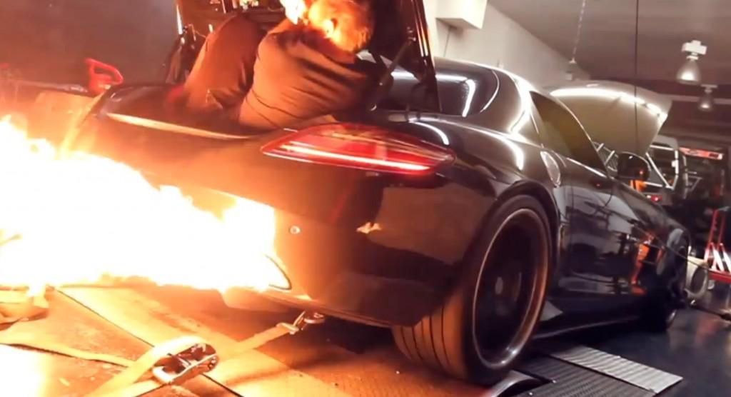 RADO Mercedes-Benz SLS AMG spits flames on the dyno