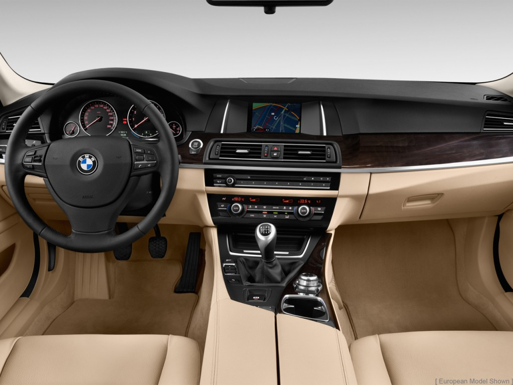 Image: 2014 BMW 5-Series 4-door Sedan 528i RWD Dashboard ...