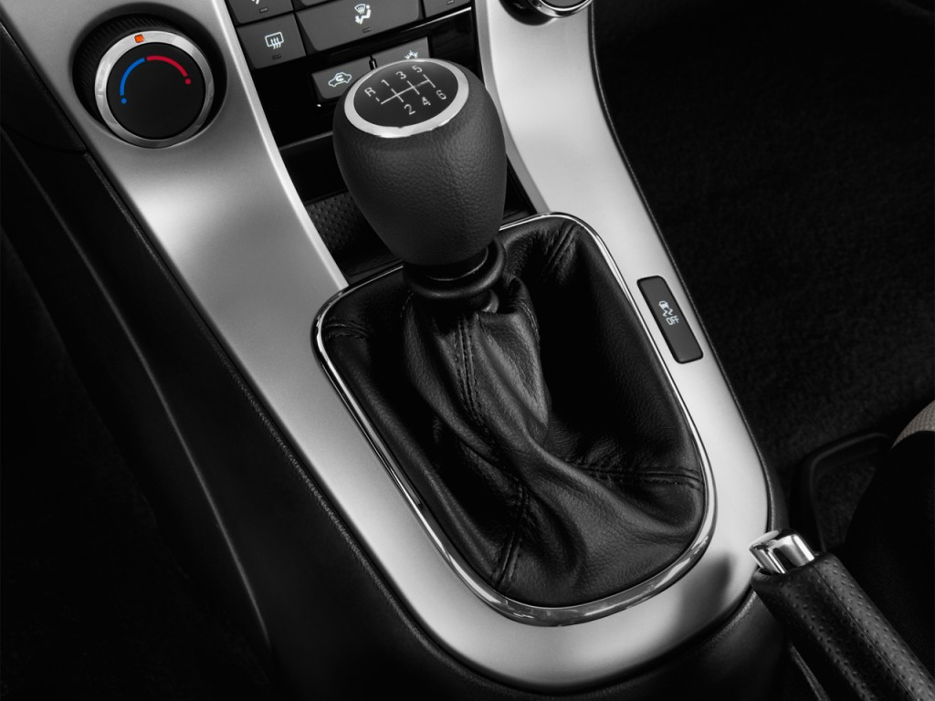 Chevy Cruze Shift: Image: 2014 Chevrolet Cruze 4-door Sedan Auto LS Gear
