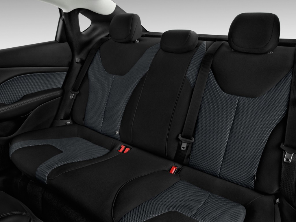 Image: 2014 Dodge Dart 4-door Sedan SE Rear Seats, size ...