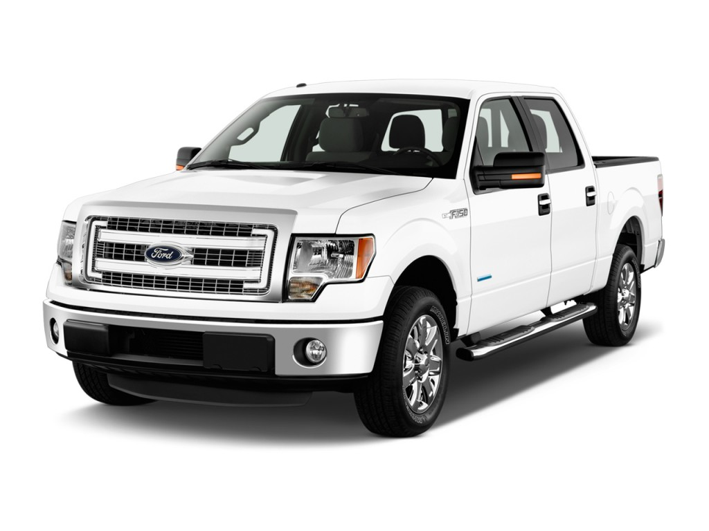 Ford F Wd Supercrew Xlt Angular Front Exterior View L
