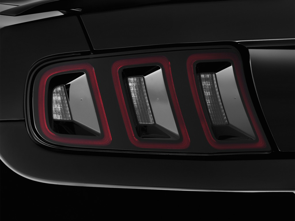 image 2014 ford mustang 2 door convertible gt tail light. Black Bedroom Furniture Sets. Home Design Ideas
