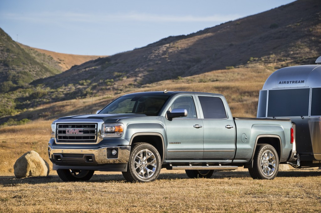 2015 chevrolet silverado gmc sierra adopt new sae j2807 towing standards. Black Bedroom Furniture Sets. Home Design Ideas